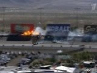 Сразу 15 автомобилей столкнулись во время гонки `Индикар` в американском Лас-Вегасе - Первый канал