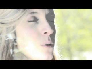 Elsa Kopf - Dreams behind the door