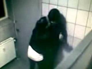 Джастина бибера избила девушка в туа.....3gp