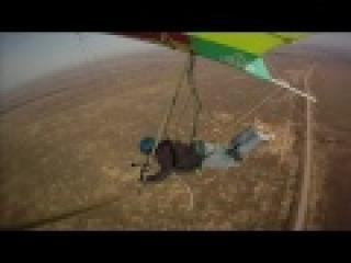 Сделал видео полёта с пилотом и крылом в кадре. Камера на консоли. Под Alphaville. Сижу, балдею... :о)