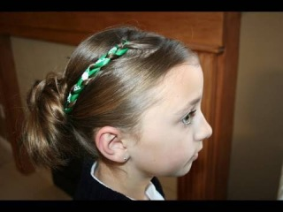 Accent Braid into Messy Bun | Cute Girls Hairstyles