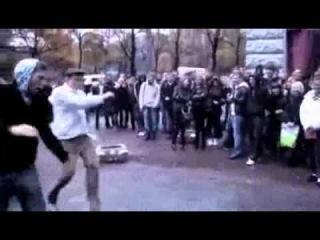 Очень старый гон)) Приколитесь)  Реклама вируснного ролика для Евросети))