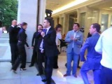 Президент России Дмитрий Медведев ЗАЖИГАТЕЛЬНО танцует под песню American boy группы Комбинация