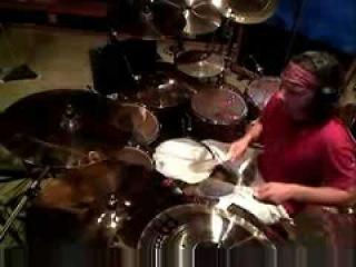 Rammstein: Schneider playing some new drums