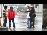 этот клип можно смотреть постоянно.снят классно.Уличные танцы в гетто(невероятная пластика)