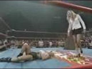 Major Gunns vs Ms Hancock - Hardcore Match