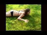 Девочк и её сиська в щоке от газона | Люди | Позитив