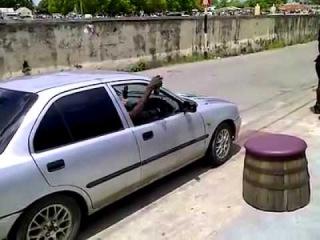 Como entrar no carro LIKE A BOSS