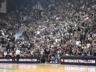 Partizan - Barselona TOP16 - Navijanje na Celoj Utakmici.avi