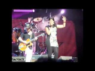 Nelly furtado - Sexy Movimiento_ No hay igual (Live) - Reventon SuperEstrella 2010