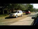 Nissan Pathfinder 4x4 pulling Buick Terraza AWD minivan - tug of war