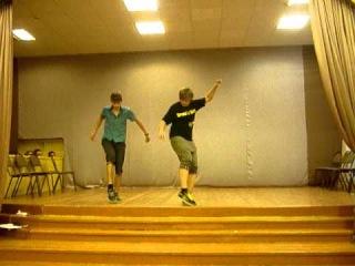Танцульки. зис из 10 ааа :D