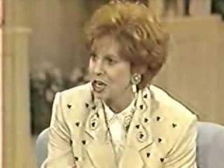 Актёр, который озвучивал Гомера Симпсона, Мардж Симпсон, клоуна красти, барни и деда Симпсона