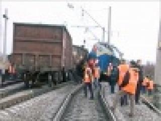 В Иркутской области из-за аварии товарного поезда задерживаются более десятка пассажирских составов - Первый канал