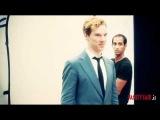 5 сентября. На видео запечатлен процесс фотосьемки объекта для итальянского Vanity Fair. Объект активно участвует в процессе.
