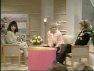 JOAN COLLINS & VANESSA REDGRAVE - Together doing an interview!!!!