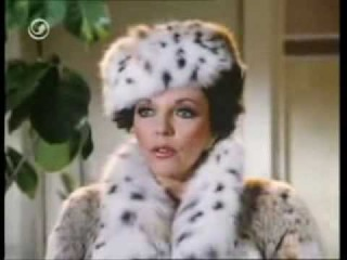 Joan Collins - Chic and glamour