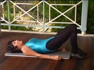 Joan Collins workout - abdominal .mov