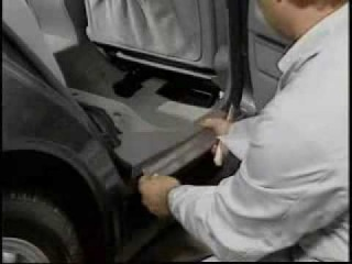Mercedes w210 - demontare prag usa - clubmercedes.ro