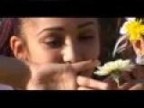 Shahrizoda sings Oynasin uygur song with captions - Uyghur Karaoke
