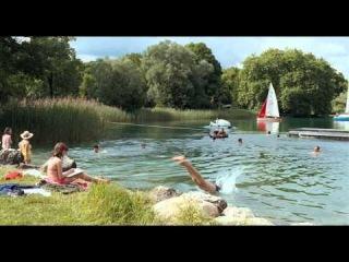 Далеко по соседству / Quartier lointain (2010) Trailer