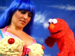 Katy Perry & Elmo улица сизам xD