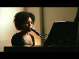 Laura Izibor - Shine