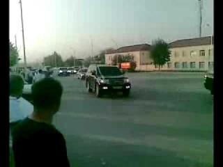 Воры в законе едут на похороны Хикмета в Азербайджан Самый влиятельный вор в зак... Закрыть|Свернуть|Скачать видео|