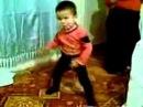 ребЁнок круто танцует DD