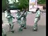 Танец в противогазах 4 рота 1 батальёна 07059