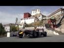 Болид команды Формулы-1 Red Bull образца 2005 года проехал по самой высокой автомобильной дороге в мире — гималайскому перевалу