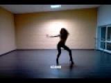вот как девчонки в клубах должны танцевать!!!