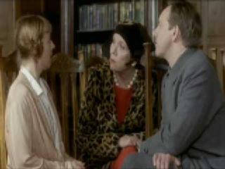 Миссис Брэдли / The Mrs Bradley Mysteries - сезон 2, эпизод 1, Death at the Opera (1999) 3/6