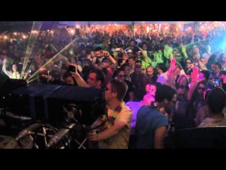 Sean Tyas Playing Sean Tyas & Bjorn Akesson - Zahi [Live at Luminosity Beach Festival 2011}