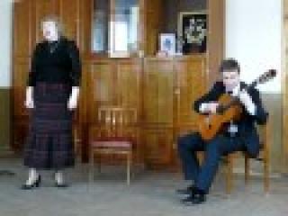 Михаил ЮРКУС (гитара) и Марина Назарова (вокал)