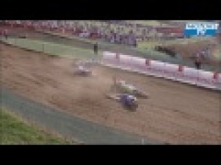 Big motocross crash for Mac Kenzie and Leok in MX1 world championship