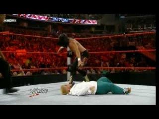 WWE Raw 07 27 09 - Hornswoggle VS Chavo Guerrero