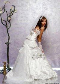 обтягивающее платье на свадьбе