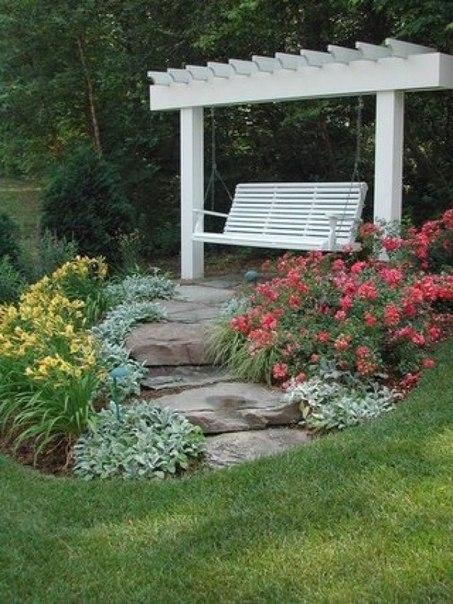 Зона отдыха в саду. (1 фото) - картинка