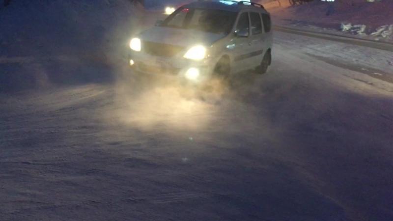 Проезд между домами ул. Димитрова 11 и 7 МБУ
