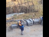 Ремонт по-химкински или мужик с топором против бордюра
