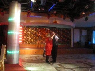 Пою на Юбилее у бабушки в ресторане, песня Анжелики Агурбаш - Я буду жить для тебя.