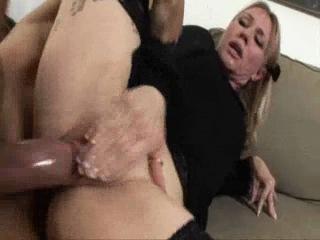Фото вдову трахают после похорон порно секс