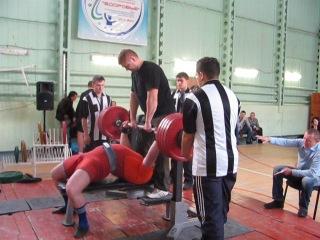 Тимур Гадиев, жим лежа 230 килограммов без экипировки