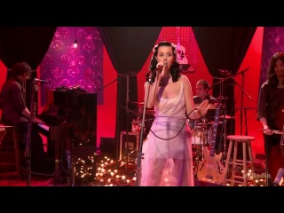 Katty Perry - I Kissed A Girl live mtv