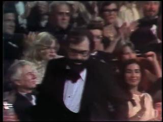 1975 Френсис Форд Коппола выиграл Оскар за Лучшую режиссуру в фильме