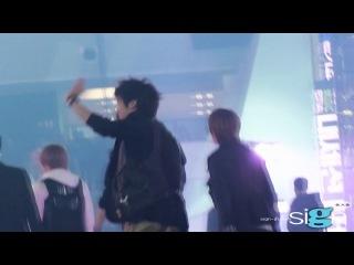 111231 Puppy Jjong waving happily to the fans @ MBC Gayo Daejun