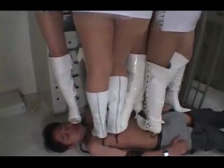 japanese extreme trampling - five girls with white boots.