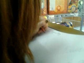 Мы с Дашень в магазе)пишем письмо Деду Морозу:DDD