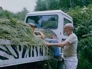 Близнецы в зоопарке / Dva lidi v zoo (1989) (комедия,семейный)